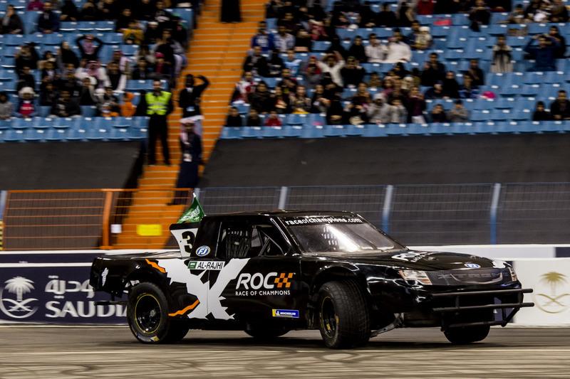 Yazeed Al-Rajhi del Team Saudi Arabia alla guida del Xtreme Pickup