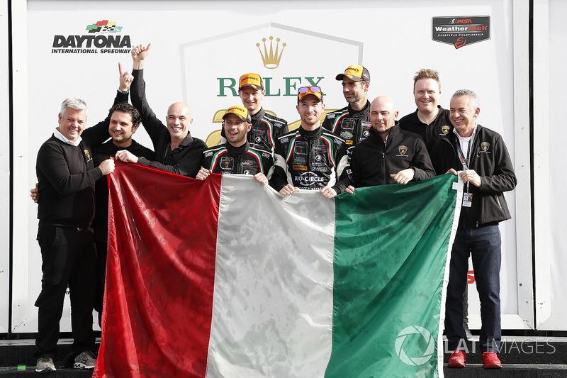 #11 GRT Grasser Racing Team Lamborghini Huracan GT3, GTD: Rolf Ineichen, Mirko Bortolotti, Franck Perera, Rik Breukers, podium