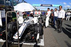 Charles Leclerc, Sauber C37 en la parrilla