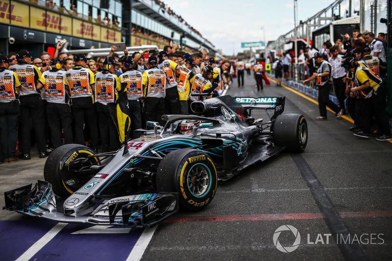 1 місце — Льюіс Хемілтон (Британія, Mercedes) — коефіцієнт 1,83