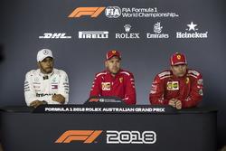 Lewis Hamilton, Mercedes-AMG F1, Sebastian Vettel, Ferrari ve Kimi Raikkonen, Ferrari basın toplantı