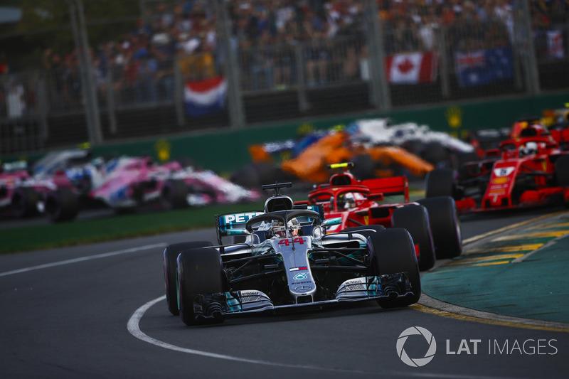 Lewis Hamilton, Mercedes AMG F1 W09, Kimi Raikkonen, Ferrari SF71H, Sebastian Vettel, Ferrari SF71H, startta