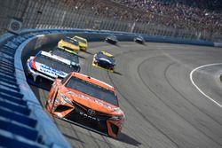 Daniel Suarez, Joe Gibbs Racing, Toyota Camry ARRIS, A.J. Allmendinger, JTG Daugherty Racing, Chevro