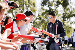 Esteban Ocon, Force India, signe des autographes