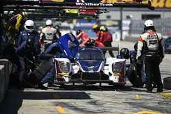 Пит-стоп: Фил Хэнсон, Алекс Брандл, Пол ди Реста, United Autosports, Ligier LMP2 (№32)
