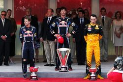 Podium: winnaar Mark Webber, Red Bull Racing, tweede Sebastian Vettel. Red Bull Racing, derde Robert