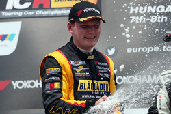 Podio: segundo lugar Stian Paulsen, Stian Paulsen Racing Cupra TCR