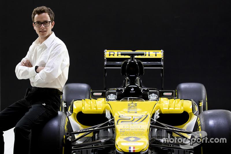 Пилот программы Renault Sport Антуан Юбер