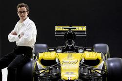 Подшефный пилот Renault Sport Антуан Юбер