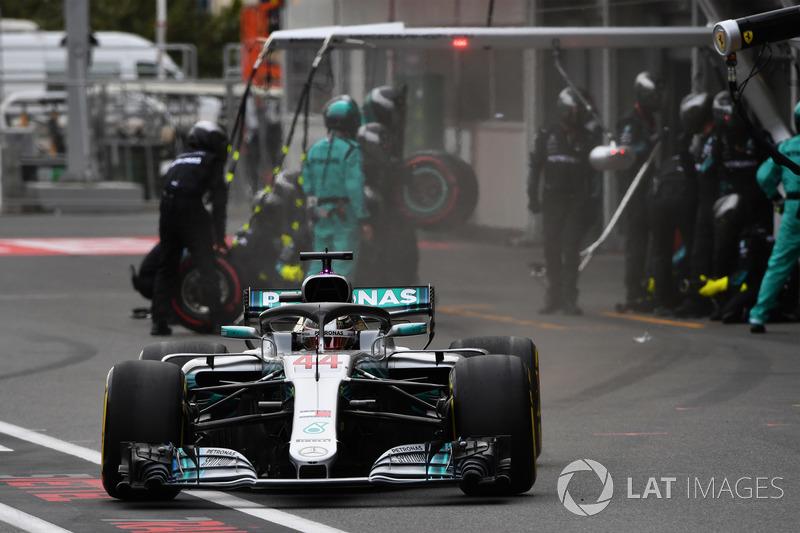 Lewis Hamilton, Mercedes-AMG F1 W09 EQ Power pit stop