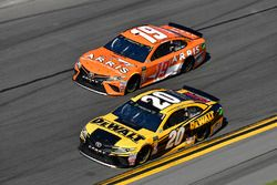 Erik Jones, Joe Gibbs Racing Toyota, Daniel Suarez, Joe Gibbs Racing Toyota