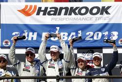 Podium TCR: Racewinnaars #130 Liqui Moly Team Engstler Volkswagen Golf GTi TCR: Luca Engstler, Flori
