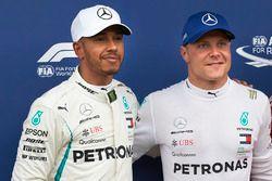 Il poleman Valtteri Bottas, Mercedes AMG F1, il secondo qualificato Lewis Hamilton, Mercedes AMG F1