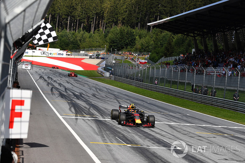El ganador: Max Verstappen, Red Bull Racing RB14