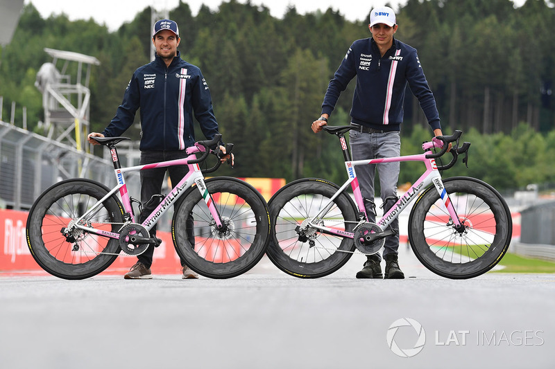 Sergio Pérez, Force India y Esteban Ocon, Force India F1 en bicicletas Wyndy Milla