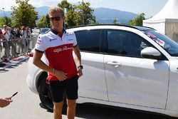 Marcus Ericsson, Sauber arrives in an Alfa Romeo Stelvio