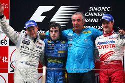 Podium: 1. Fernando Alonso, Renault; 2. Kimi Raikkonen, McLaren; 3. Ralf Schumacher, Toyota
