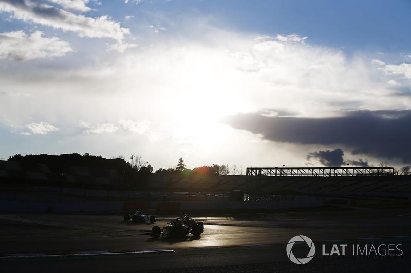 Max Verstappen, Red Bull Racing RB14, Kevin Magnussen, Haas F1 Team VF-18, Lance Stroll, Williams FW41