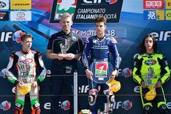 Podio Gara 1: il secondo classificato Nicola Carraro, Team Minimoto Portomaggiore, il vincitore Nicholas Spinelli, Gresini Racing Junior Team, il terzo classificato Elia Bartolini. Team RMU VR46 Riders Academy