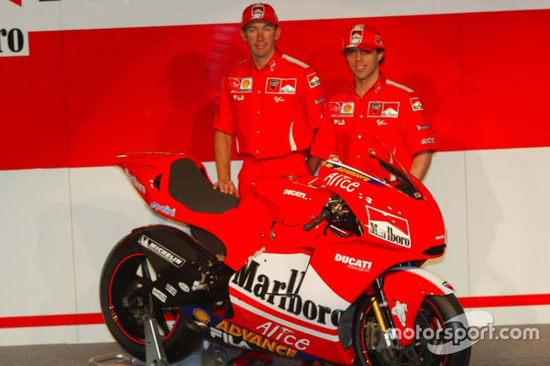 2004. Troy Bayliss et Loris Capirossi