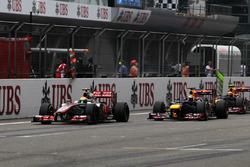 Lewis Hamilton, McLaren MP4-27, Sebastian Vettel, Red Bull Racing RB8 y Mark Webber, Red Bull Racing
