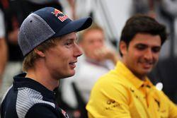 Brendon Hartley, Scuderia Toro Rosso et Carlos Sainz Jr., Renault Sport F1 Team