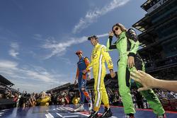 Scott Dixon, Chip Ganassi Racing Honda, Helio Castroneves, Team Penske Chevrolet, Danica Patrick, Ed Carpenter Racing Chevrolet