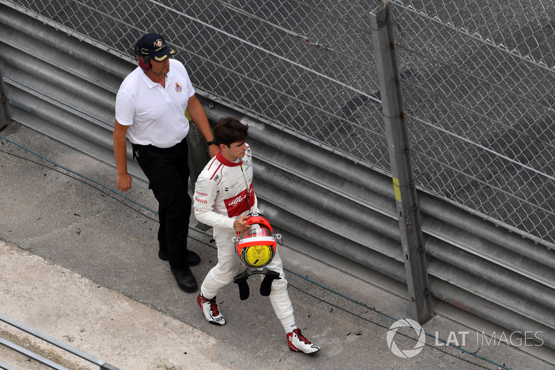 Race retiree Charles Leclerc, Sauber walks in