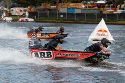 Jamie Whincup, Shane van Gisbergen ve Craig Lowndes, Triple Eight Race Engineering Holden