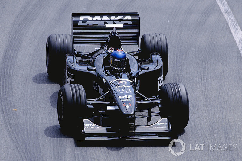 18. Pedro Diniz (98 Grandes Premios)