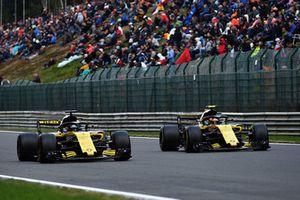 Nico Hulkenberg, Renault Sport F1 Team R.S. 18 e Carlos Sainz Jr., Renault Sport F1 Team R.S. 18