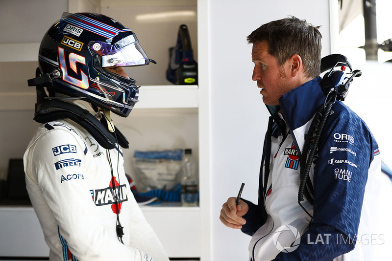 Lance Stroll, Williams Racing, talks to Rob Smedley, Head of Vehicle Performance, Williams Martini Racing