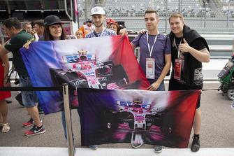 Esteban Ocon, Racing Point Force India F1 Team fans en spandoeken