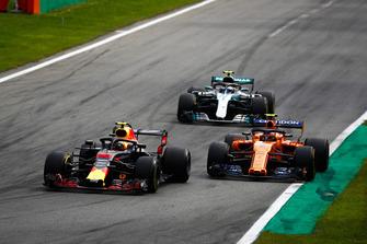 Max Verstappen, Red Bull Racing RB14 Tag Heuer, Stoffel Vandoorne, McLaren MCL33, en Valtteri Bottas, Mercedes AMG F1 W09