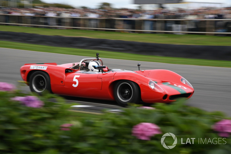 Whitsun Trophy Sinclair Lola T70
