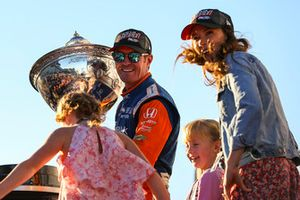 Scott Dixon, Chip Ganassi Racing Honda, 2018 IndyCar Series Champion, with Wife Emma, and kids, Tilly and Poppy, Astor Cup