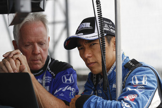 Takuma Sato, Rahal Letterman Lanigan Racing Honda, engineer Eddie Jones