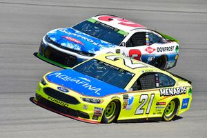 Paul Menard, Wood Brothers Racing, Ford Fusion Menards / Aquafina and Austin Dillon, Richard Childress Racing, Chevrolet Camaro DOWFROST