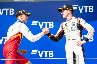 Podium: race winner Leonardo Pulcini, Campos Racing, third place Anthoine Hubert, ART Grand Prix