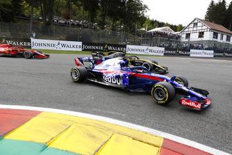 Brendon Hartley, Toro Rosso STR13, Carlos Sainz Jr., Renault Sport F1 Team R.S. 18, et Kimi Raikkonen, Ferrari SF71H