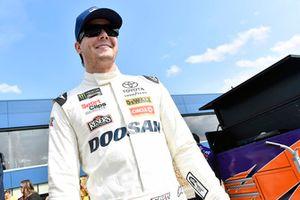 Erik Jones, Joe Gibbs Racing, Toyota Camry Doosan