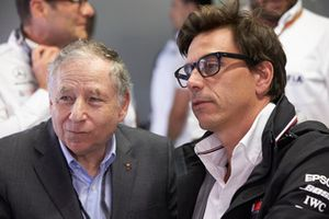 Jean Todt, President, FIA, talks to Toto Wolff, Executive Director (Business), Mercedes AMG