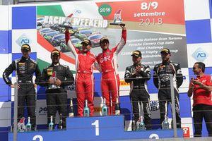 Podio GT3 Gara 2: al secondo posto Zampieri-Altoè, Antonelli Motorsport, i vincitori Fisichella-Gai, Scuderia Baldini 27, al terzo posto Postiglione-Pereira, Imperiale Racing
