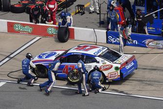 A.J. Allmendinger, JTG Daugherty Racing, Chevrolet Camaro Kroger ClickList, ai box al contrario