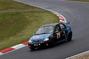 #118 Team SwiftWingde Dacia Logan: Oliver Kriese, Michael Lachmayer, DOOM, Mikhail Charoudin