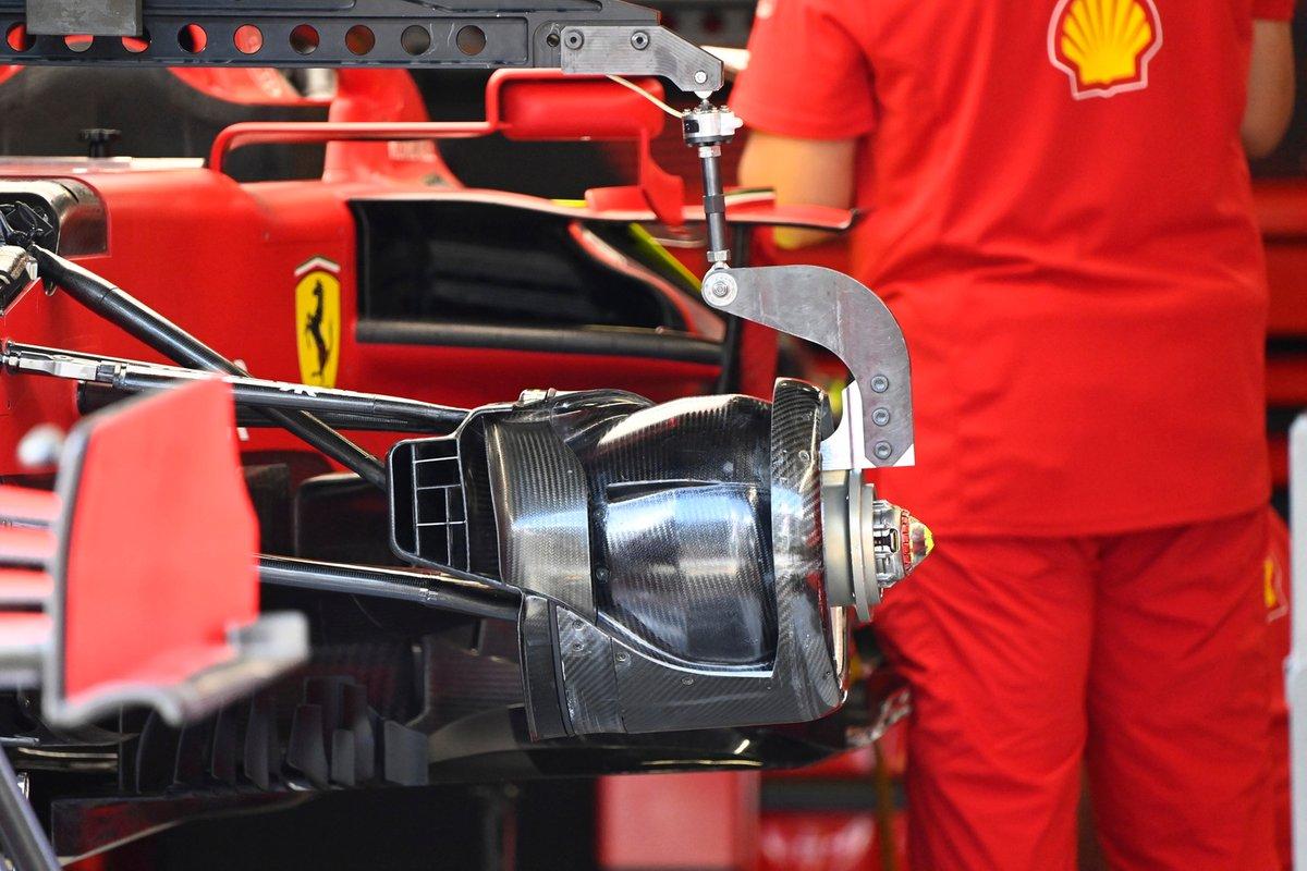 Detalle del conducto del freno delantero del Ferrari SF21