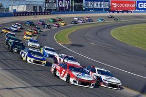 Kyle Larson, Hendrick Motorsports, Chevrolet Camaro Valvoline and William Byron, Hendrick Motorsports, Chevrolet Camaro Liberty University