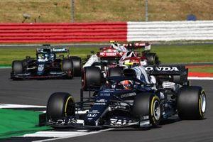 Pierre Gasly, AlphaTauri AT02, Kimi Raikkonen, Alfa Romeo Racing C41, et Lance Stroll, Aston Martin AMR21