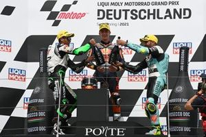 Podio: Pedro Acosta, Red Bull KTM Ajo, Kaito Toba, Cip Green Power, Dennis Foggia, Leopard Racing