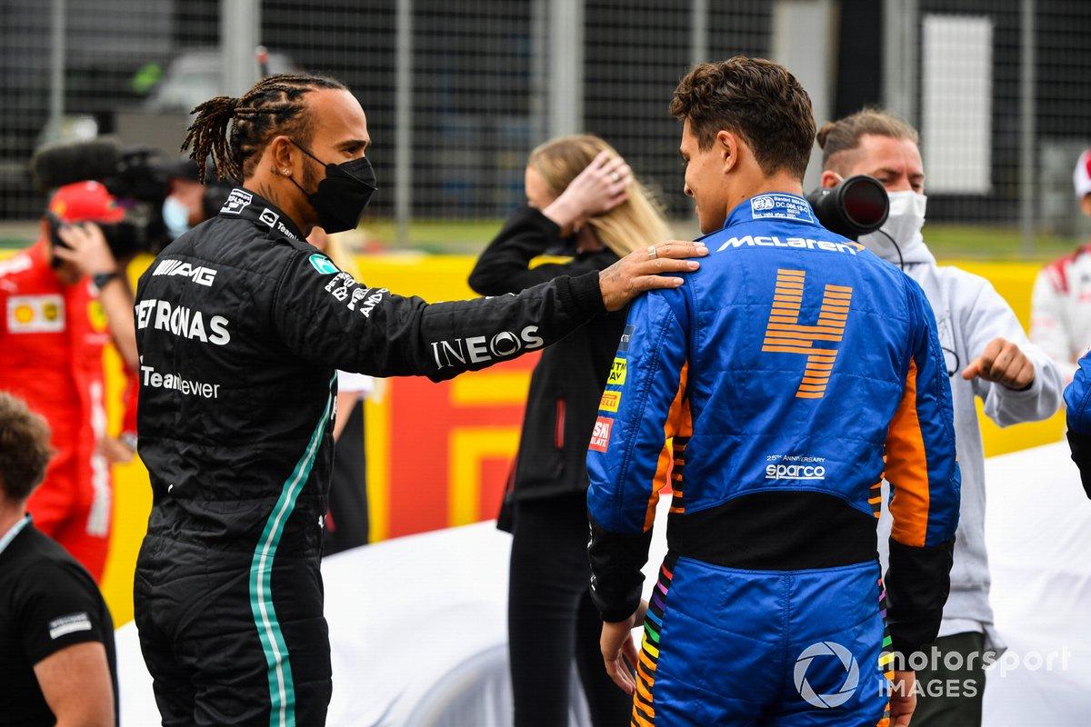 Lewis Hamilton, Mercedes y Lando Norris, McLaren antes de la presentación del coche de Fórmula 1 de 2022